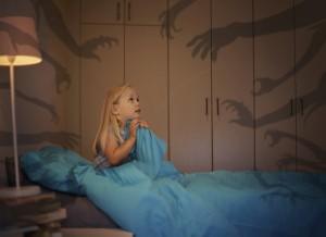 Crianças com medo dormir sozinhos